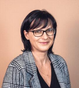Porträt von Susanne Kreinecker, Obfrau der Energiegenossenschaft Region Eferding