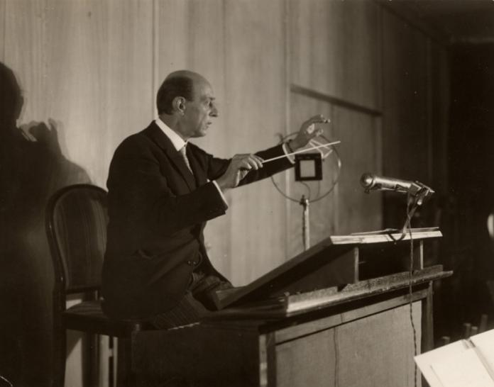 Arnols Schönberg dirigiert fürs Radio: Funkstunde Berlin 1926.