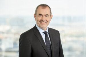 Porträt von Josef Plank, Leiter der Abteilung Wirtschafts-, Agrar- und Europafragen im Österreichischen Raiffeisenverband