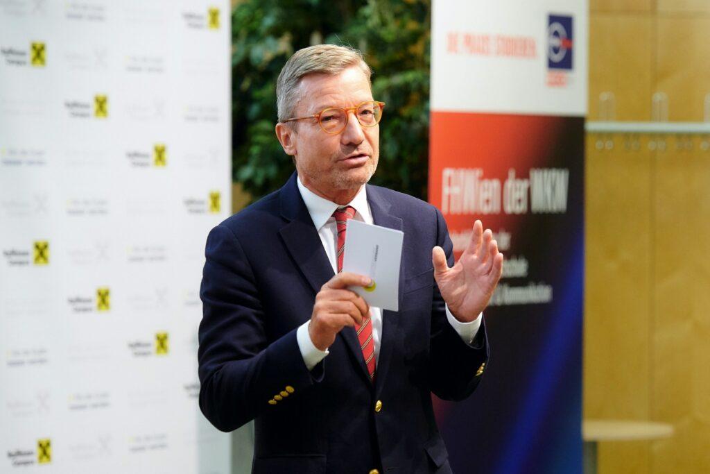 Andreas Pangl beim Kick-off-Event vom MSc-Studium Premium Banking